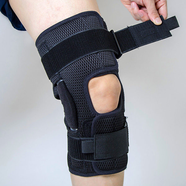 Hinged Knee Brace for Joint Support GC-KP420 3